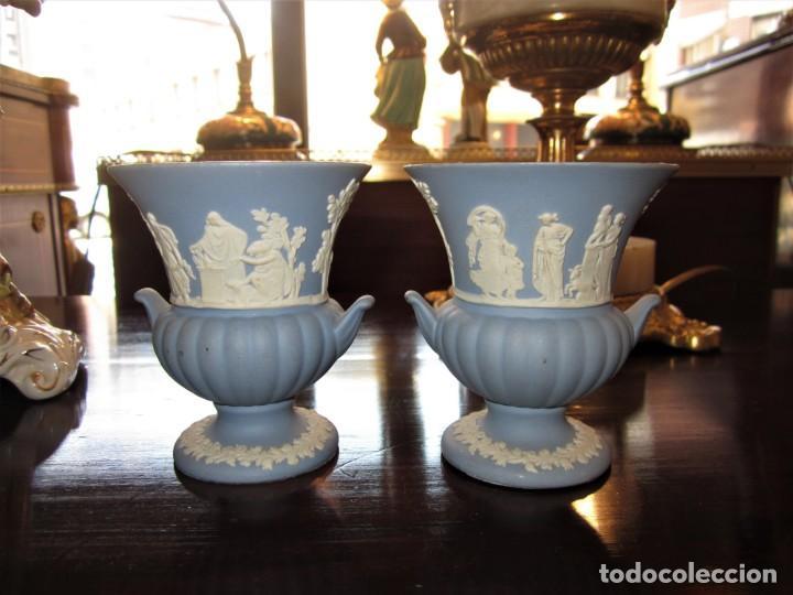 PRECIOSA PAREJA DE COPAS WEDGWOOD (Vintage - Decoración - Porcelanas y Cerámicas)