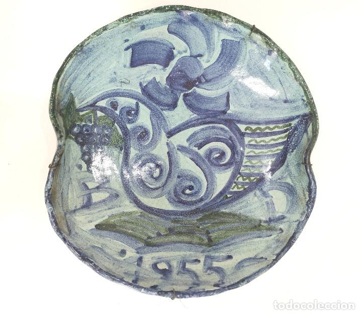 PLATO VINTAGE FIRMADO CERÁMICA DECORADO A MANO (Vintage - Decoración - Porcelanas y Cerámicas)