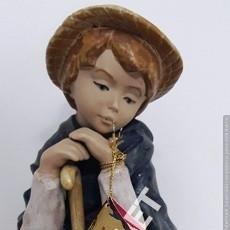 Vintage: BONITA FIGURA - DE UN NIÑO PASTOR - DE PORCELANA LEVANTINA ARTISTICA. Lote 164834310