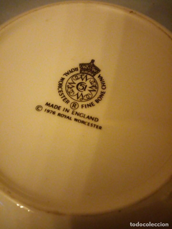 Vintage: Peqeño plato porcelana h.m. queen elizabeth ii silver jubilee,royal worcester 1976 - Foto 5 - 167192688