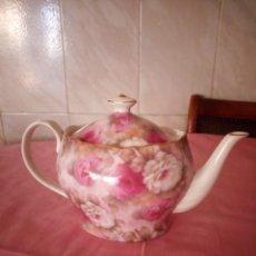 Vintage: PRECIOSA TETERA DE PORCELANA GRACE´S TEAWARE DISHWASHER SALE MADE IN CHINA,DECORACIÓN ROSAS Y ORO. Lote 168870512