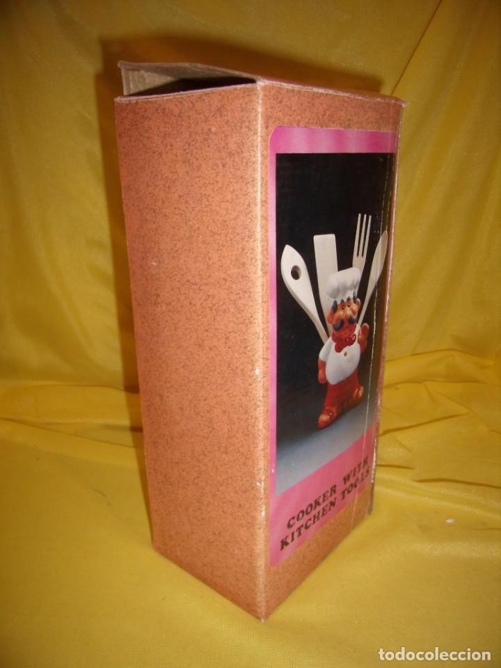 Vintage: Cocinero porta cubiertos, cerámica policromada, años 60, Nuevo en su caja original. - Foto 9 - 169377536