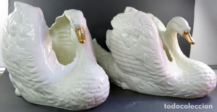 Vintage: Pareja de maceteros centros en forma de cisnes en cerámica blanca vidriada siglo XX - Foto 2 - 175596463