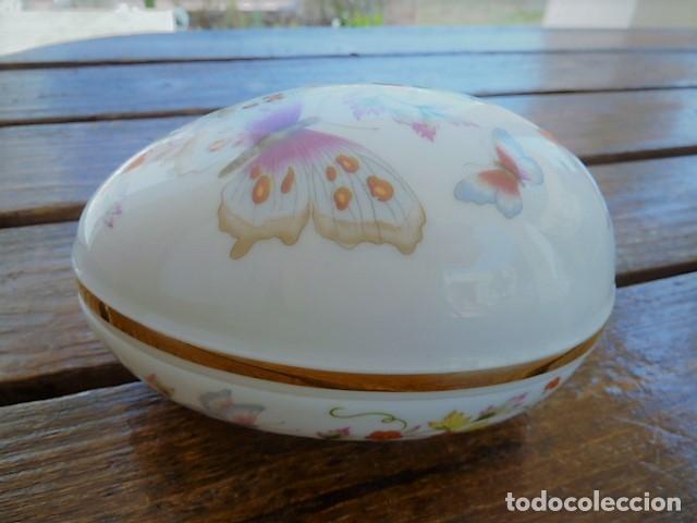 Vintage: Cajita en forma de huevo decorada con mariposas. Avon - Foto 9 - 175630114