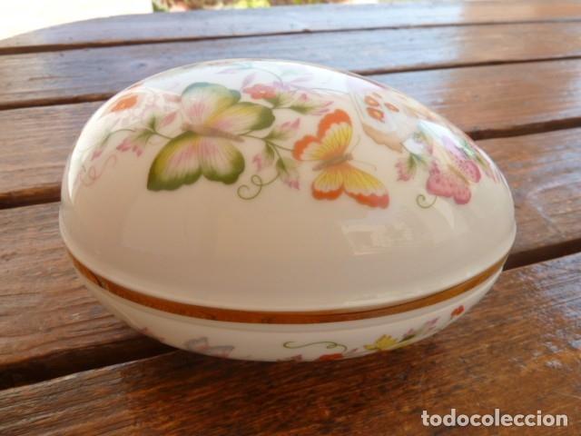 Vintage: Cajita en forma de huevo decorada con mariposas. Avon - Foto 10 - 175630114