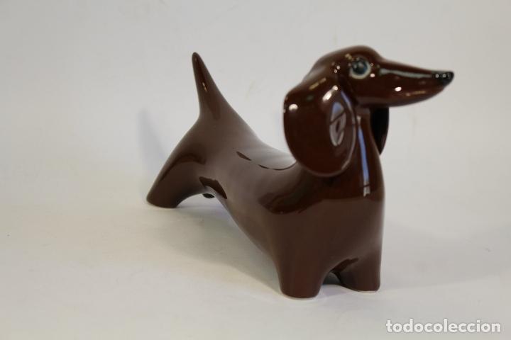 Vintage: tekel perro en porcelana sellada en base - Foto 5 - 175642943