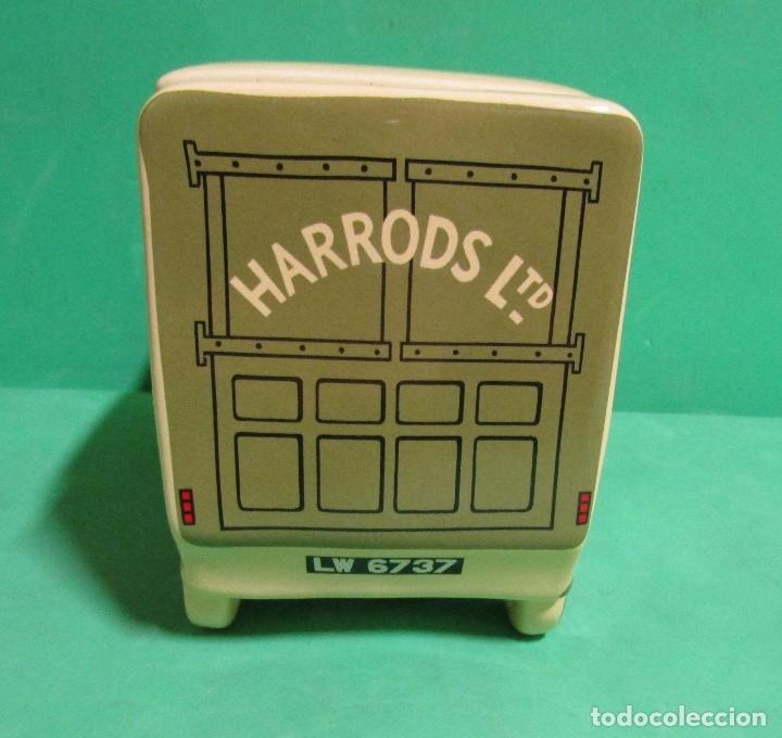 Vintage: HARRODS ltd. BOMBONERA CERAMICA EN FORMA DE ANTIGUO CAMION MEDIDAS 18X14X9 ( largo x alto x ancho) - Foto 4 - 176224914