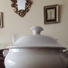 Vintage: PRECIOSA Y ANTIGUA SOPERA BLANCA DE PICKMAN CON SELLO.. Lote 178929111