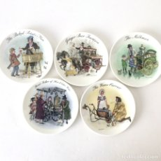 Vintage: LOTE 5 PLATOS DECORATIVO PORCELANA WEDGWOOD - STREVENDEDORES CALLEJEROS LONDRES - JOHN FINNIE - 1985. Lote 179097477