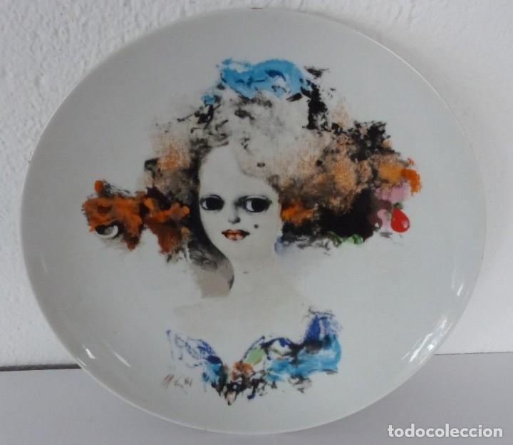 PLATO DE - MODEST CUIXART - SUITE FEMINA - VERSALINA - 1981. (Vintage - Decoración - Porcelanas y Cerámicas)