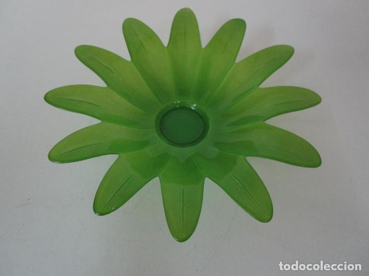 Vintage: Decorativa Pareja de Flores - Cristal Verde y Amarillo - Centros de Mesa - Vintage - Años 60 - Foto 13 - 179315481