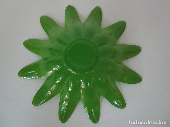 Vintage: Decorativa Pareja de Flores - Cristal Verde y Amarillo - Centros de Mesa - Vintage - Años 60 - Foto 17 - 179315481