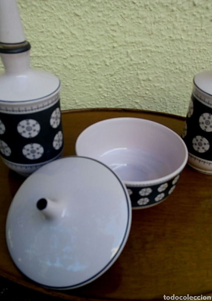 Vintage: Juego de tocador. Vintage. Porcelana de Manises. Sellada Sambo. Color rosa palo y negro. - Foto 7 - 179401080