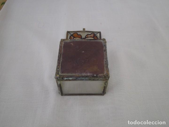 Vintage: VIEJA CAJA DE CRISTAL CON PINTURA DE MARIPOSA Y ARISTAS DE METAL. 60X60 MM. - Foto 5 - 181134866