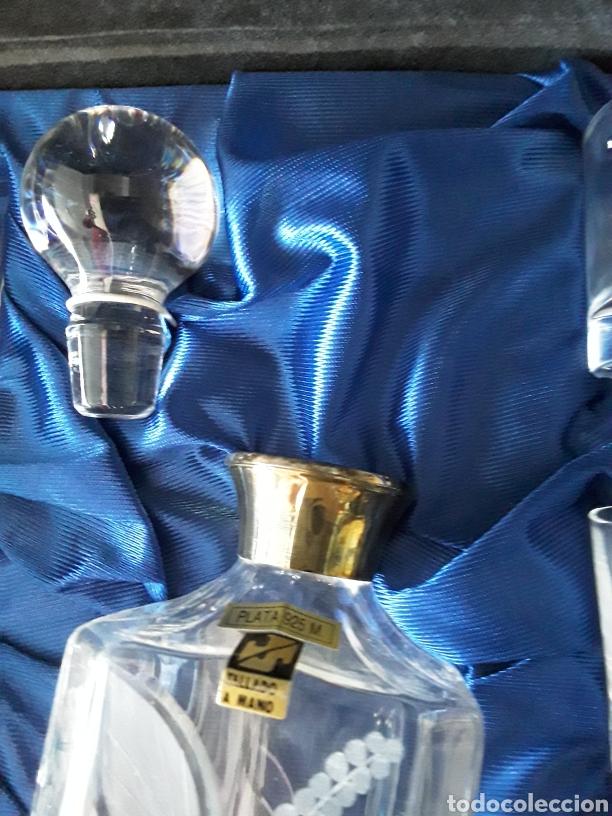 Vintage: Juego de botella de licor de cristal y boca de plata y 6 vasos de chupito rn estuche original - Foto 2 - 181686693