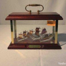 Vintage: URNA CRISTAL FLORA COLON CRITAL ORO. Lote 183294338