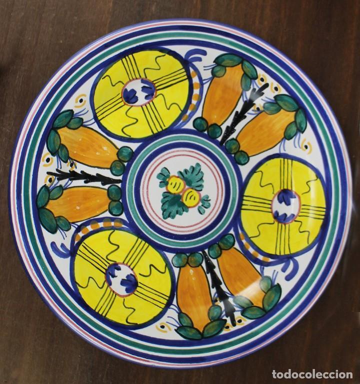PLATO DE CERÁMICA - FIRMADO CRESPO (Vintage - Decoración - Porcelanas y Cerámicas)