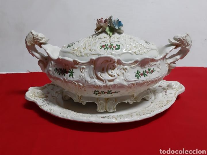 BONITA SOPERA DE PORCELANA ITALIANA ANTIGUA EN LOS AÑOS 60 BASSAMO (Vintage - Decoración - Porcelanas y Cerámicas)