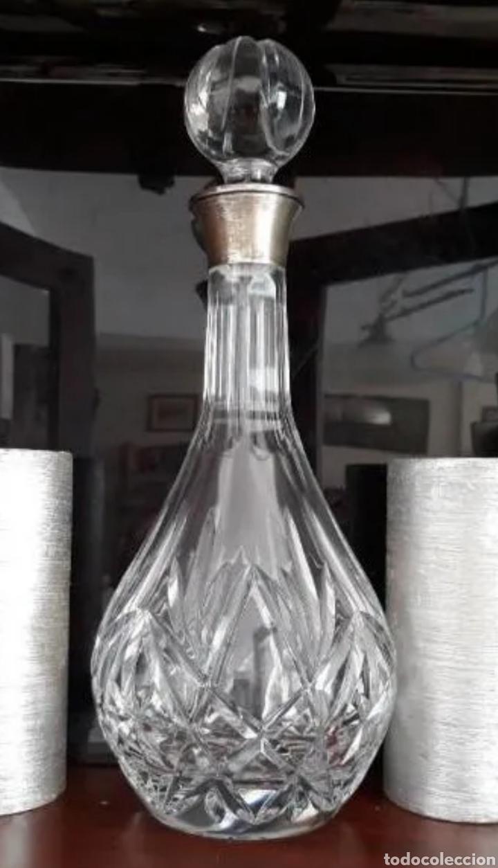 LICORERA CRISTAL TALLADO CON BOCA DE PLATA (Vintage - Decoración - Cristal y Vidrio)