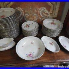 Vintage: VAJILLA DE SANTA CLARA CON FLORES Y FILETE DE ORO. Lote 190064162