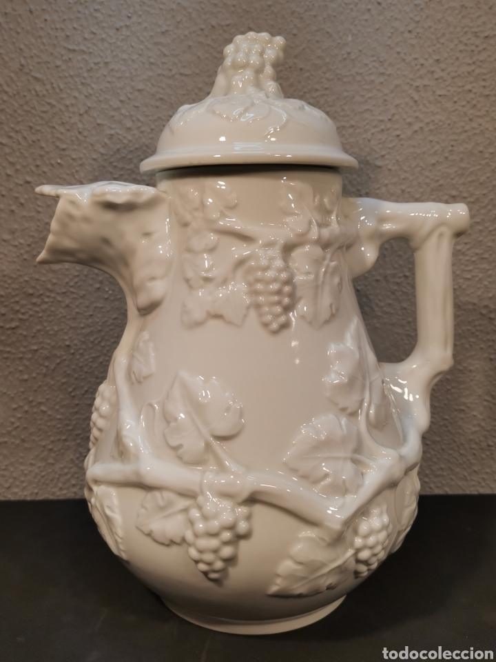 JARRA DE VINO DE PORCELANA DE LA MARCA BIDASOA (ESPAÑA). (Vintage - Decoración - Porcelanas y Cerámicas)