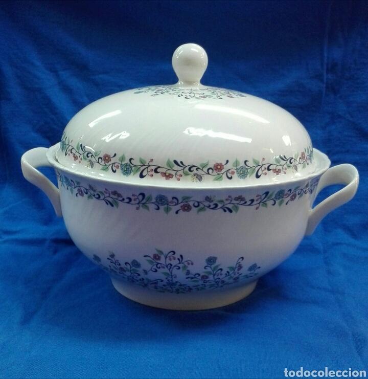SOPERA DE PORCELANA ROYAL CHINA (Vintage - Decoración - Porcelanas y Cerámicas)