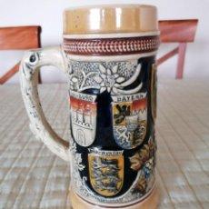 Vintage: JARRA CERVEZA CON ESCUDO DE LOS ESTADOS ALEMANES. Lote 194291431