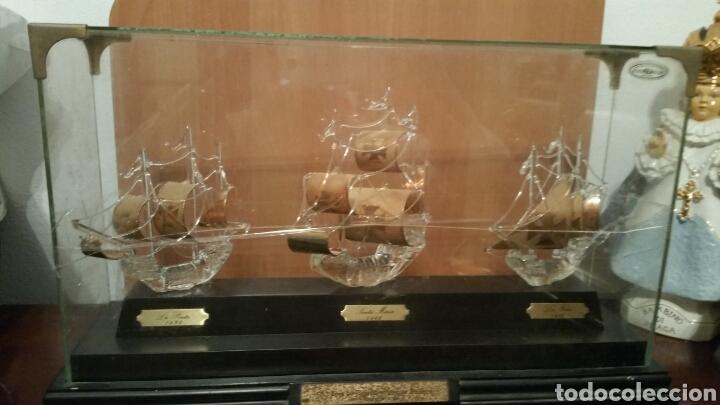 3 CARABELAS DESCUBRIMIENTO DE AMÉRICA PINTA SANTA MARÍA NIÑA EN CRISTAL SOBRE URNA (Vintage - Decoración - Cristal y Vidrio)