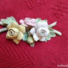 Vintage: RAMA CON TRES ROSAS DE CERAMICA. Lote 194988682