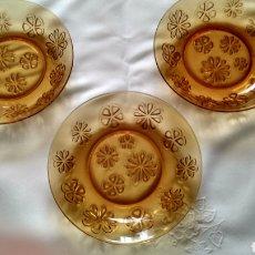 Vintage: LOTE DE 3 PLATOS HONDOS DURALEX ÁMBAR FLORES. Lote 195109953