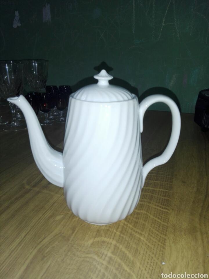 CAFETERA PORCELANA BIDASOA. IRÚN (Vintage - Decoración - Porcelanas y Cerámicas)
