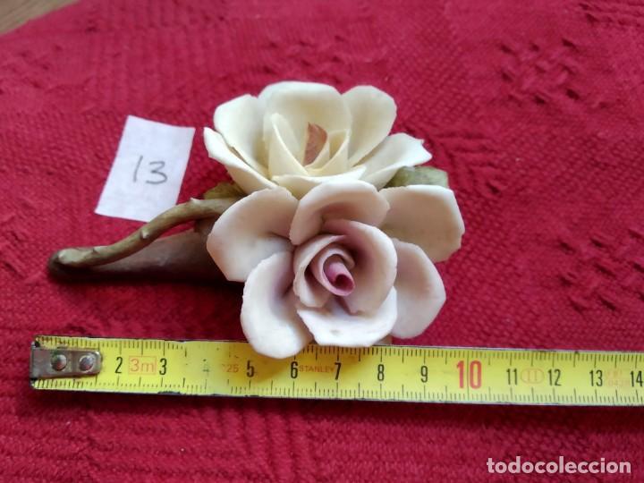 Vintage: Tres rosas sobre rama ceramica Capodimonte - Foto 3 - 195135972