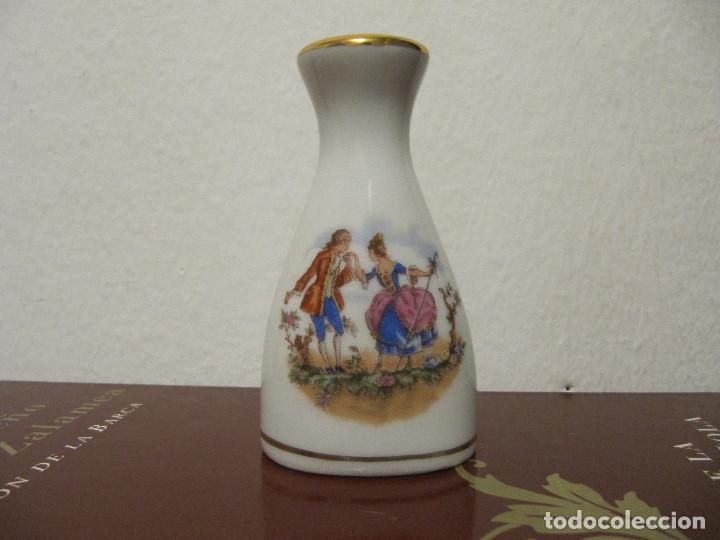 SALERO PORCELANA FILOS DORADOS BENIDORM AÑOS 80S (Vintage - Decoración - Porcelanas y Cerámicas)