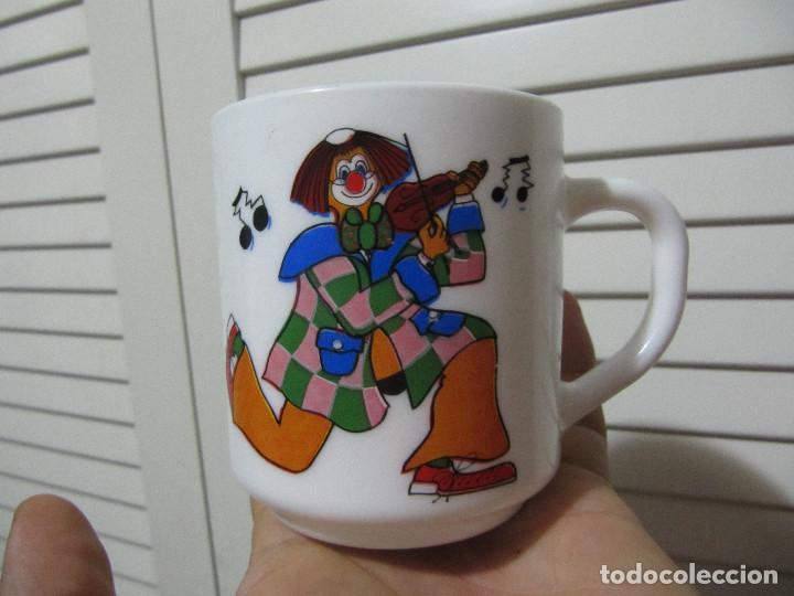 TAZA ARCOPAL PAYASOS FRANCE AÑOS 80S (Vintage - Decoración - Porcelanas y Cerámicas)