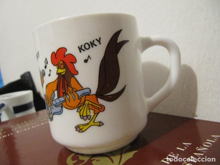 Vintage: Taza de loza de Los Trotamúsicos \ Gallo Koky \ Cruz Delgado \ Arcopal - France (1989) Muy dificil - Foto 2 - 195153345