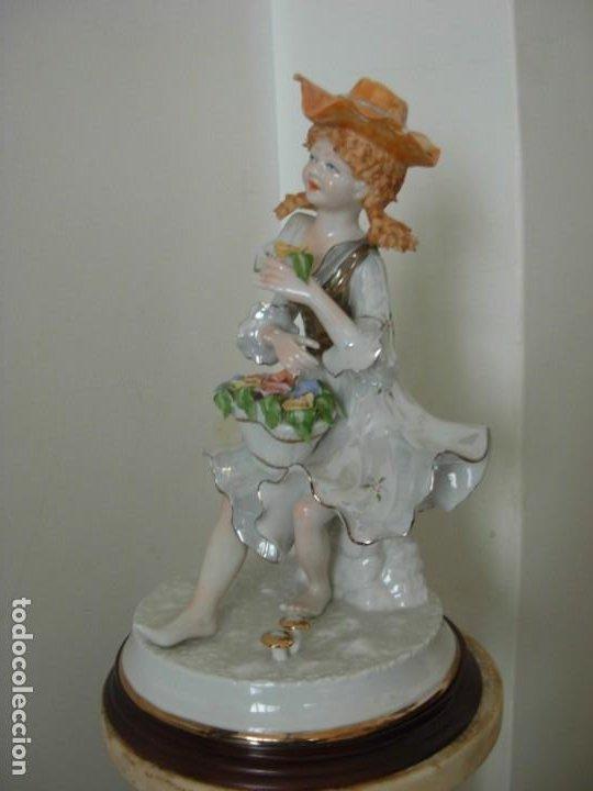 Vintage: Figura vintage en porcelana de campesina con flores - Foto 2 - 195326751