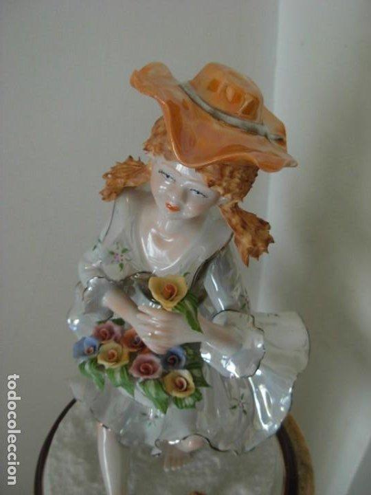 Vintage: Figura vintage en porcelana de campesina con flores - Foto 5 - 195326751