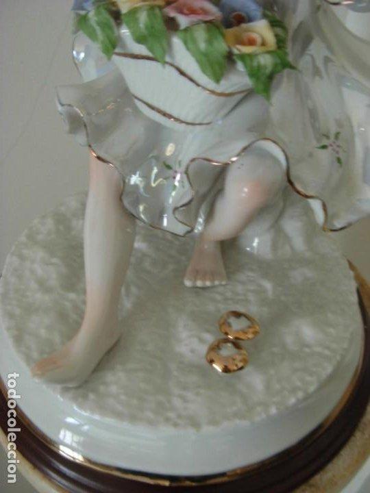 Vintage: Figura vintage en porcelana de campesina con flores - Foto 7 - 195326751