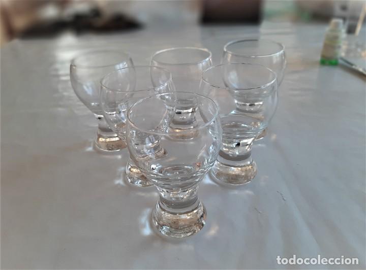 Vintage: 6 copas para licor de cristal. Vintage, años 70. - Foto 2 - 195340863