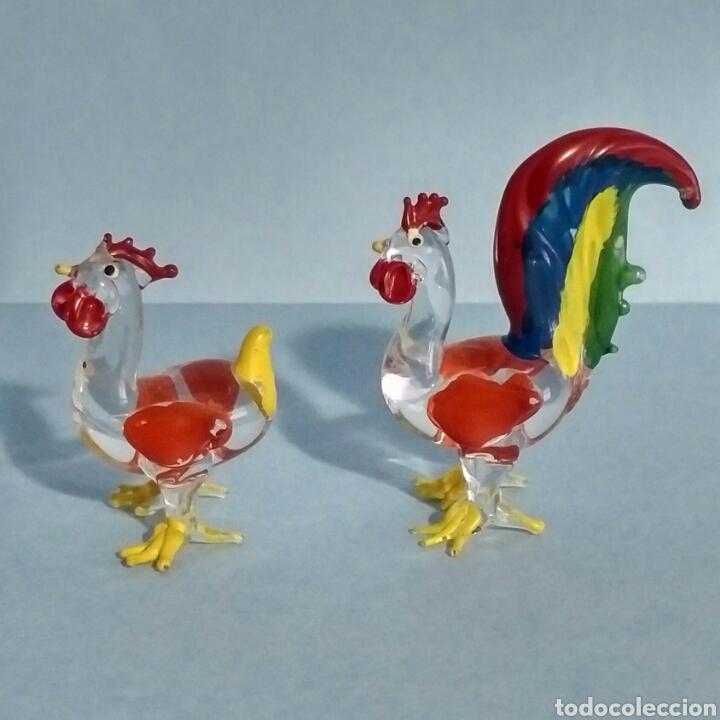 Vintage: Figuras miniatura gallo y gallina - artesanía cristal pintado a mano - Foto 3 - 195371748