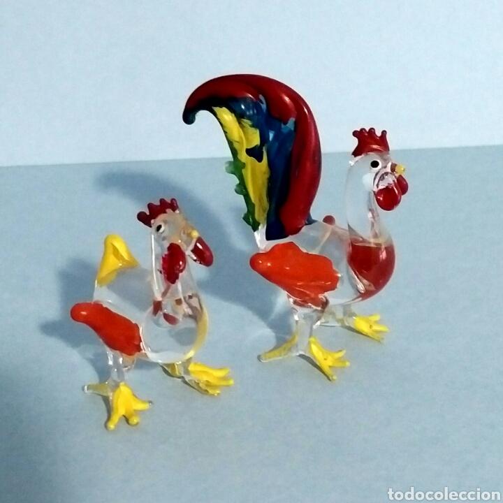 Vintage: Figuras miniatura gallo y gallina - artesanía cristal pintado a mano - Foto 5 - 195371748