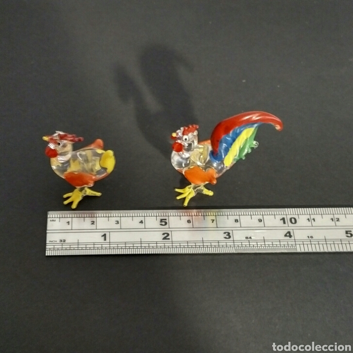 Vintage: Figuras miniatura gallo y gallina - artesanía cristal pintado a mano - Foto 7 - 195371748