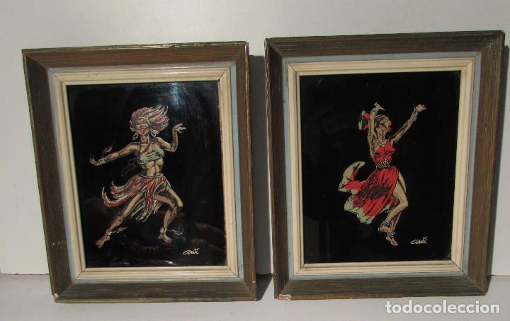 PAREJA DE CUADROS CON CRISTAL - NEGRITOS - AÑOS 60 VINTAGE - PRECIOSOS (Vintage - Decoración - Porcelanas y Cerámicas)