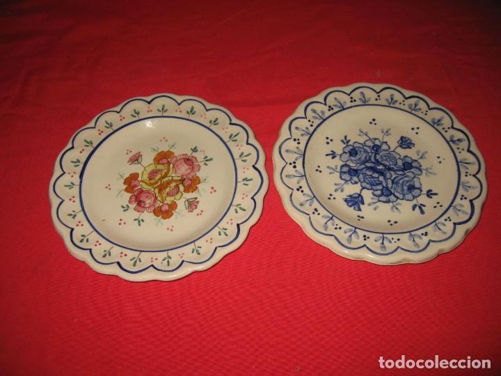 DOS PLATOS DECORAFDOS A MANO DE LOS AÑOS 60 (Vintage - Decoración - Porcelanas y Cerámicas)