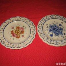 Vintage: DOS PLATOS DECORAFDOS A MANO DE LOS AÑOS 60. Lote 196804615