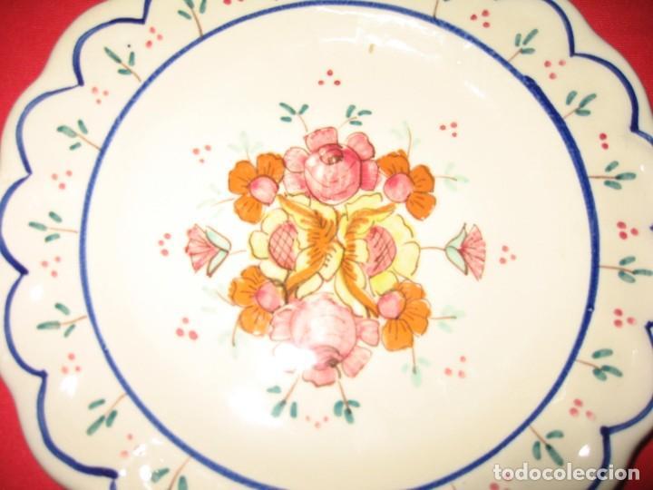 Vintage: dos platos decorafdos a mano de los años 60 - Foto 2 - 196804615