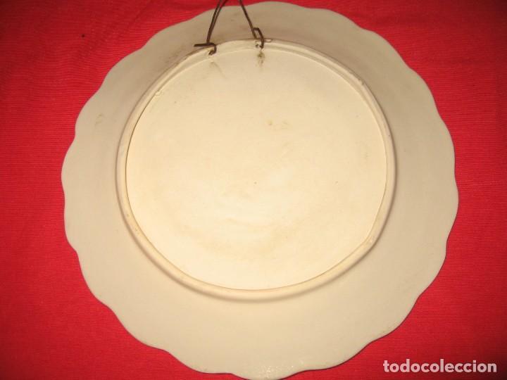 Vintage: dos platos decorafdos a mano de los años 60 - Foto 3 - 196804615