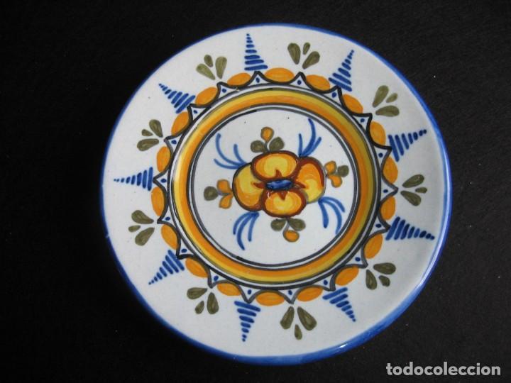 PLATO DE TALAVERA EN CERÁMICA DE S. TIMONEDA (Vintage - Decoración - Porcelanas y Cerámicas)