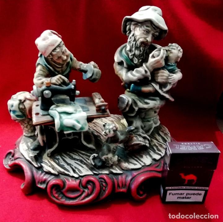 PAREJA LABORANDO - CERÁMICA (Vintage - Decoración - Porcelanas y Cerámicas)