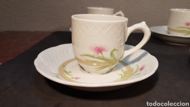 Vintage: Lote de tazas de café y platos. Marca Bidasoa, años 70, con decoración floral en tazas y platos - Foto 2 - 200806637